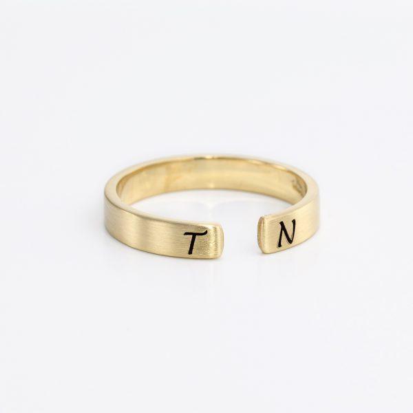 טבעת זהב פתוחה - חריטה אישית
